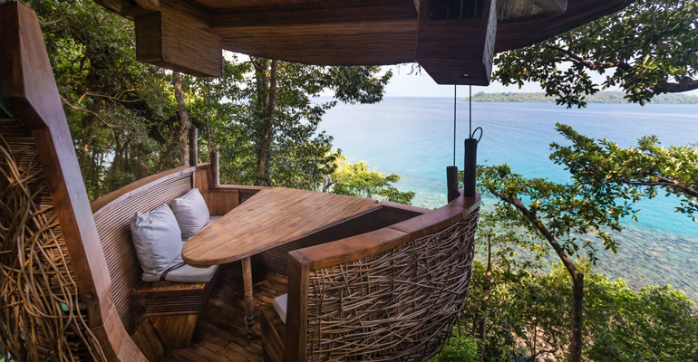 Soneva_Kiri_Resort-Treepod_Dining-view.png
