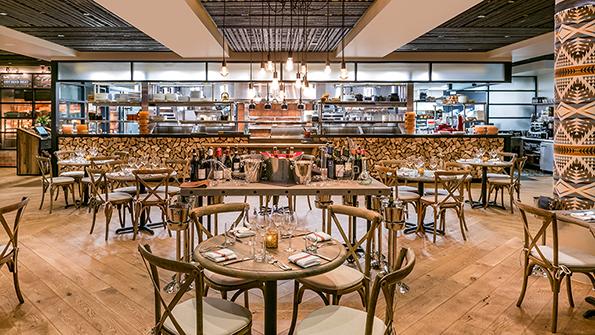 Charmant Restaurant Hospitality