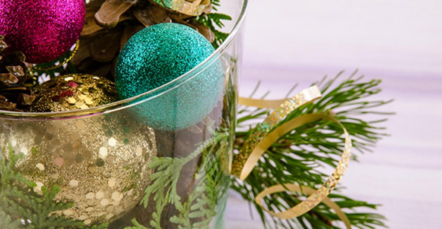 How To Decorate A Restaurant For The Christmas Holidays Restaurant Hospitality