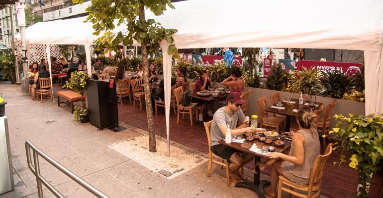Outdoor-dining-Baekjeong-NYC-Korean-barbecue-restaurant.jpg