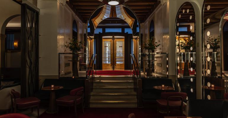 RD_Entrance_Lounge-1_9.23.21_Thomas_Schauer.jpg
