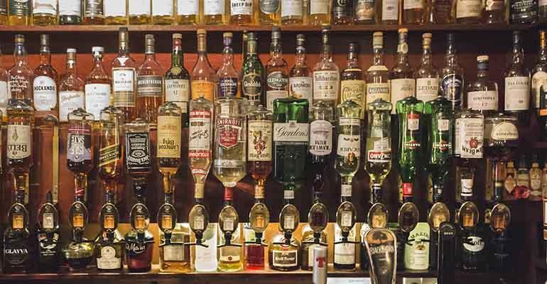 bar-full-of-drinks-for-bars-seeking-liquor-license-post-coronavirus.jpg