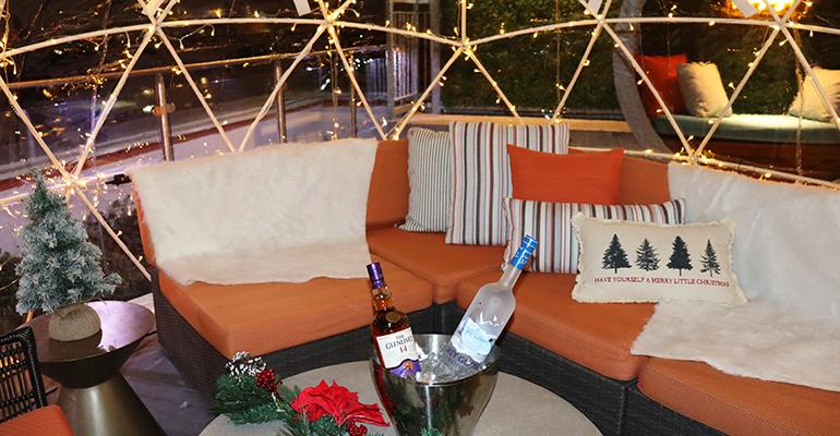 kennedy-hotel-chicago-covid-restrictions-dining-outdoor.JPG