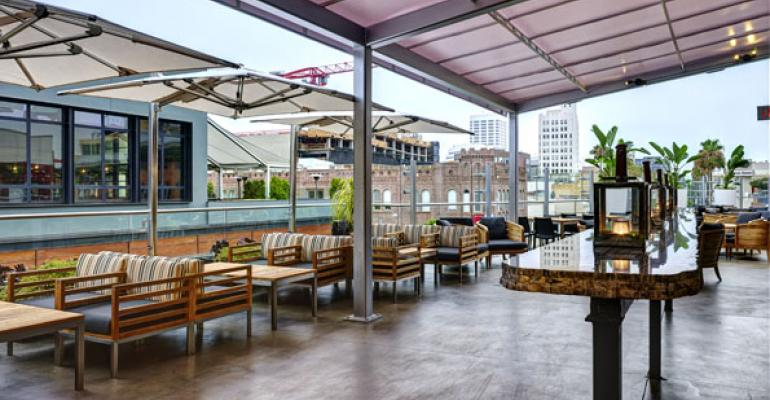 The outdoor patio at Redwood Grille