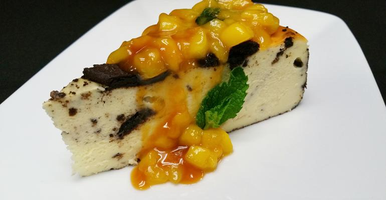 Butterscotch Mango Oreo Cheesecake