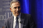 Working Lunch: Howard Schultz drags restaurant business model onto national stage