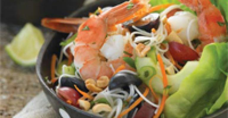 Southeast Asian Salad with Grapes and Prawns