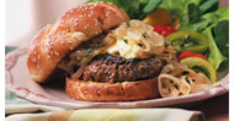 Lean Gourmet Burger with Wine Onions