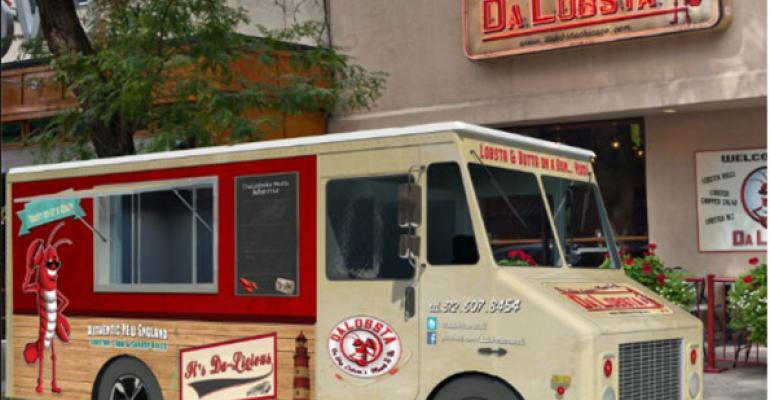 Chicago fast casual restaurant Da Lobsta raised investor funds to purchase a food truck that sells 1295 lobster rolls