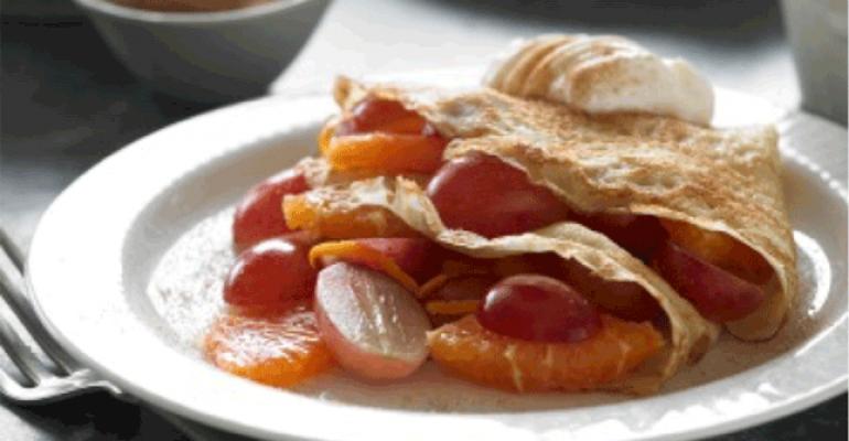 fruit breakfast crepes
